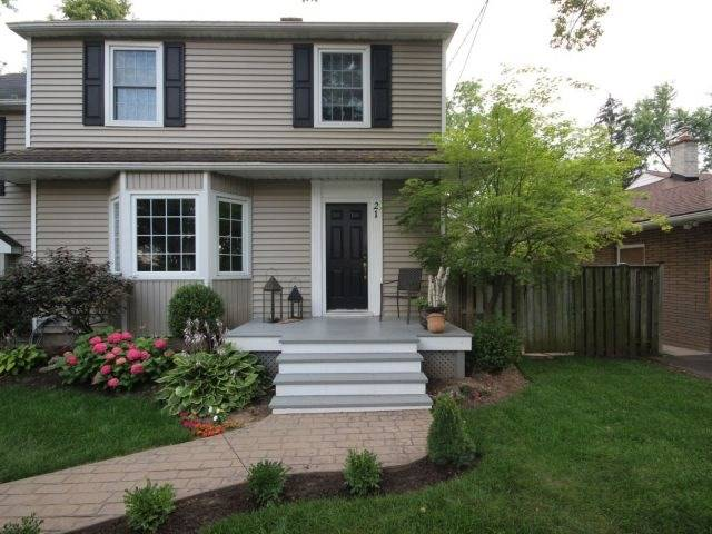 Detached at 21 Weller Ave, Welland, Ontario. Image 1