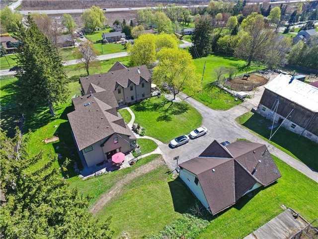 Detached at 345 Freelton Rd, Hamilton, Ontario. Image 9