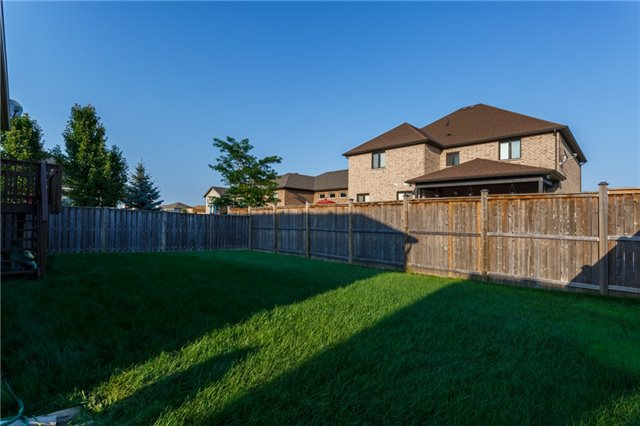 Detached at 6602 Parkside Rd, Niagara Falls, Ontario. Image 11