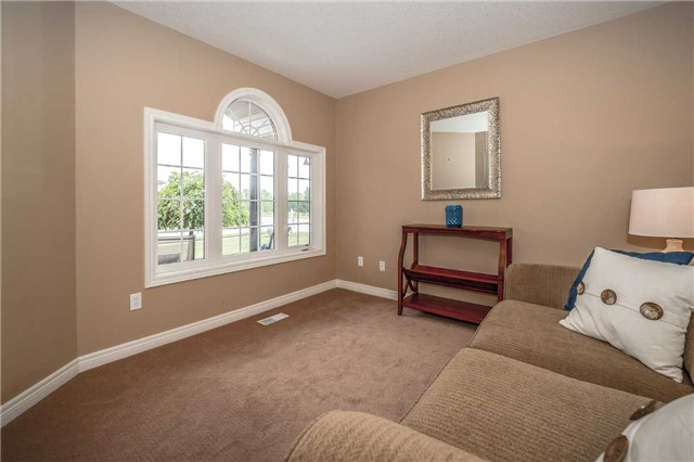 Detached at 2 Norton Dr, Guelph, Ontario. Image 14