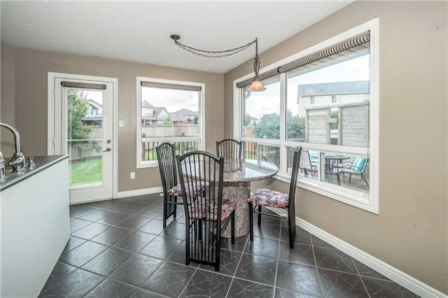 Detached at 2 Norton Dr, Guelph, Ontario. Image 18