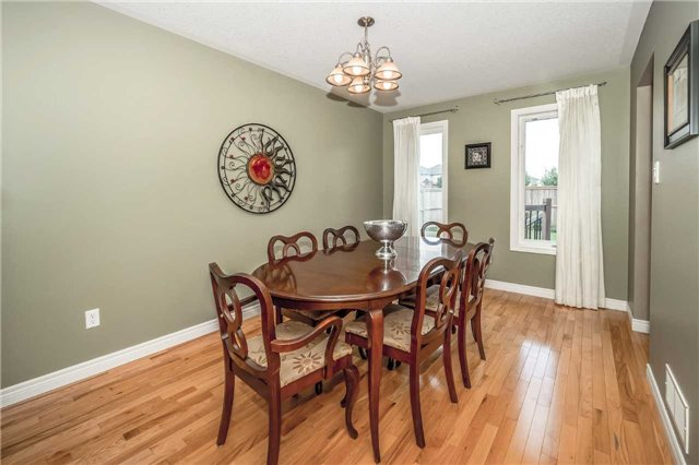 Detached at 2 Norton Dr, Guelph, Ontario. Image 19