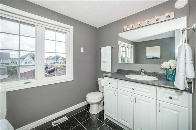 Detached at 2 Norton Dr, Guelph, Ontario. Image 3