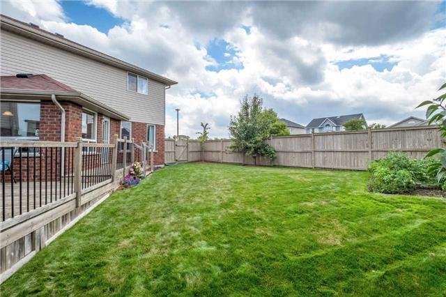 Detached at 2 Norton Dr, Guelph, Ontario. Image 13