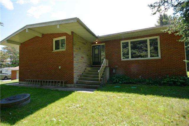 Rural Residence at 1030 Simpson Rd, Gravenhurst, Ontario. Image 1