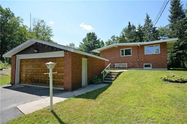 Rural Residence at 1030 Simpson Rd, Gravenhurst, Ontario. Image 12