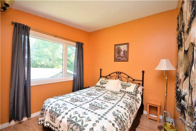 Rural Residence at 1030 Simpson Rd, Gravenhurst, Ontario. Image 4