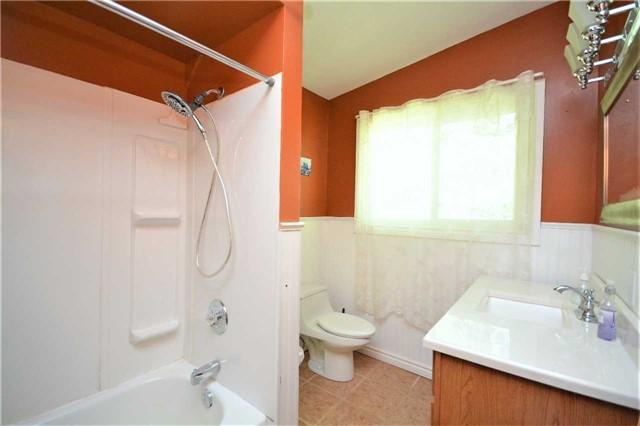 Rural Residence at 1030 Simpson Rd, Gravenhurst, Ontario. Image 6