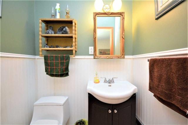 Rural Residence at 1030 Simpson Rd, Gravenhurst, Ontario. Image 7