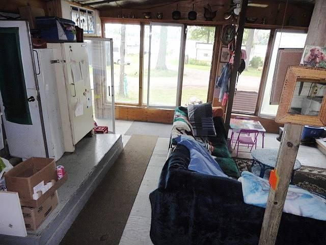 Mobile/Trailer at 46 Oakley Lane, Tweed, Ontario. Image 14