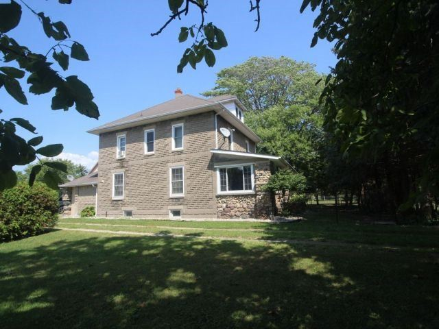 Detached at 2758 County Road 20 E, Essex, Ontario. Image 10