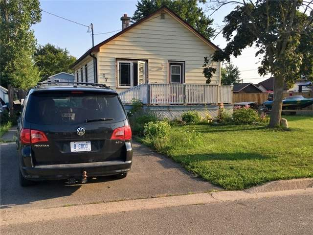 Detached at 17 Erie St, Welland, Ontario. Image 1