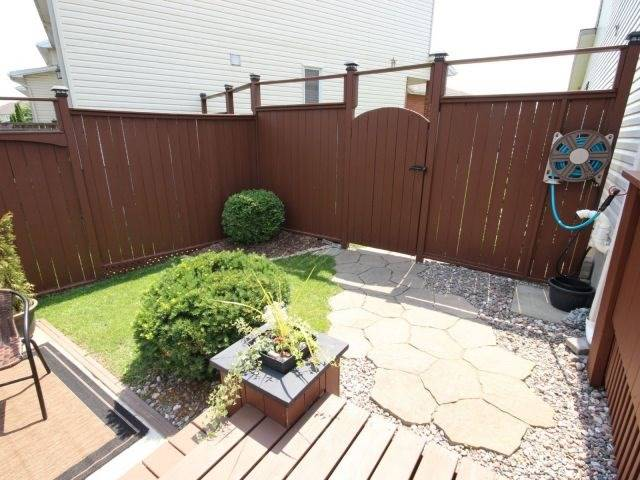Townhouse at 15 Inverkip Ave, Ottawa, Ontario. Image 5