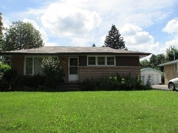 Detached at 267 Sunview St, Waterloo, Ontario. Image 1
