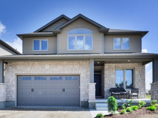 Detached at 11 Mayberry Dr, East Luther Grand Valley, Ontario. Image 1