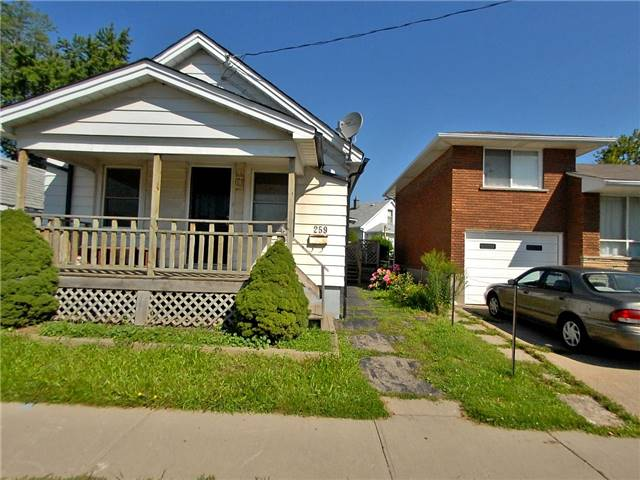Detached at 259 Welland Ave, St. Catharines, Ontario. Image 1