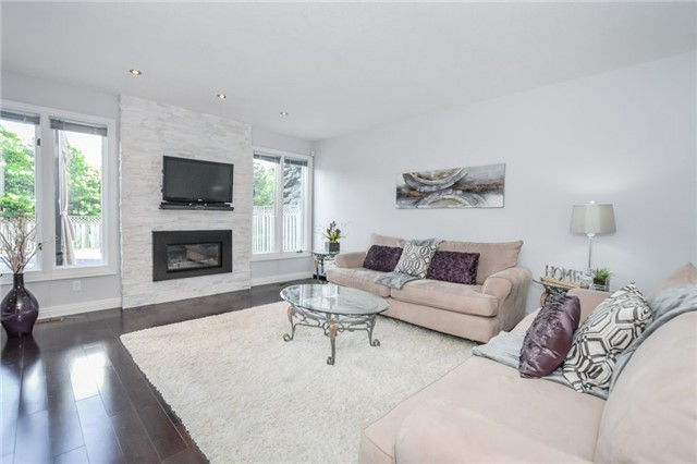 Detached at 49 Kortright Rd E, Guelph, Ontario. Image 4