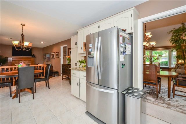 Detached at 26 Old Colony Tr, Guelph, Ontario. Image 17