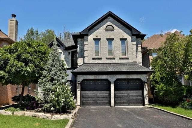 Detached at 73 Waterford Cres, Hamilton, Ontario. Image 1