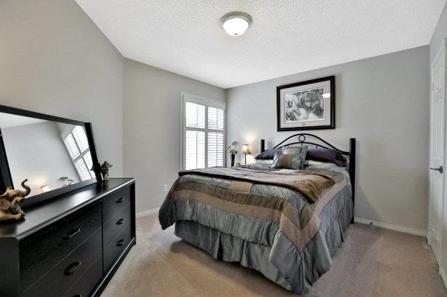 Detached at 73 Waterford Cres, Hamilton, Ontario. Image 20