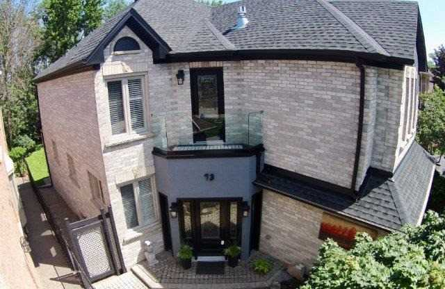 Detached at 73 Waterford Cres, Hamilton, Ontario. Image 11