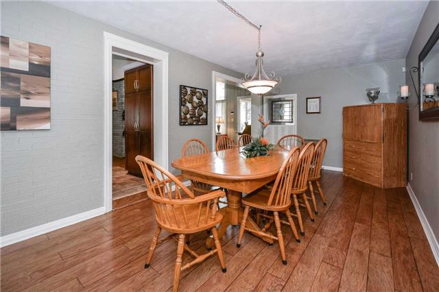 Detached at 1170 Gordon St, Guelph, Ontario. Image 5
