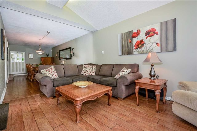 Detached at 1170 Gordon St, Guelph, Ontario. Image 7
