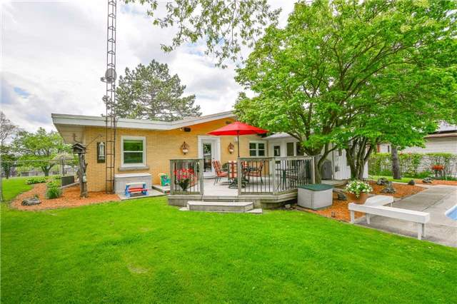 Detached at 1170 Gordon St, Guelph, Ontario. Image 13