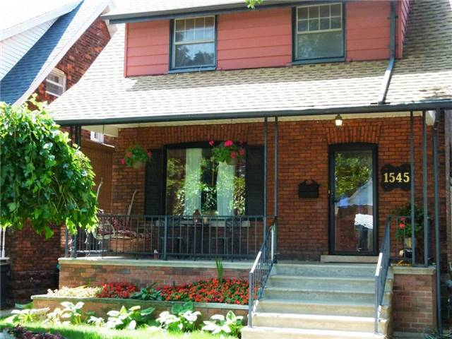 Detached at 1545 Hall Ave, Windsor, Ontario. Image 1