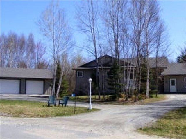 Detached at 64 Thomas Cres, Huntsville, Ontario. Image 7