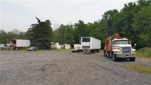 Detached at 50 Mountsberg Rd, Hamilton, Ontario. Image 2