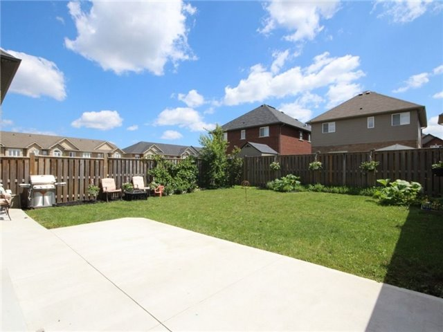 Detached at 7 Hyslop Ave, Hamilton, Ontario. Image 13