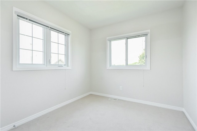 Condo Townhouse at 355 Fisher Mills  Rd, Unit 52, Cambridge, Ontario. Image 4