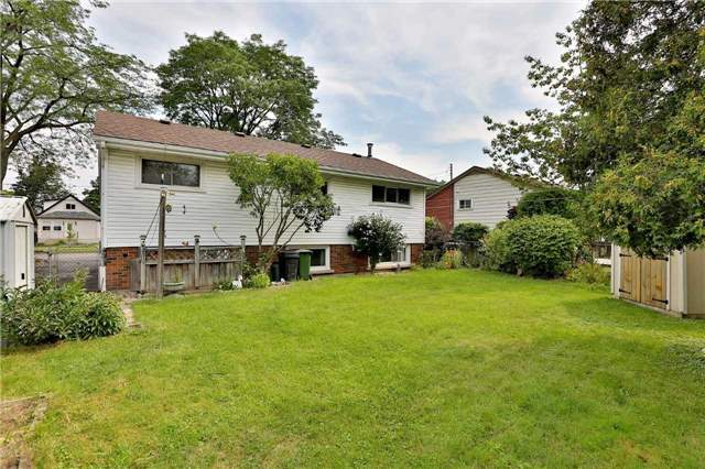 Detached at 150 Fennell Ave E, Hamilton, Ontario. Image 11