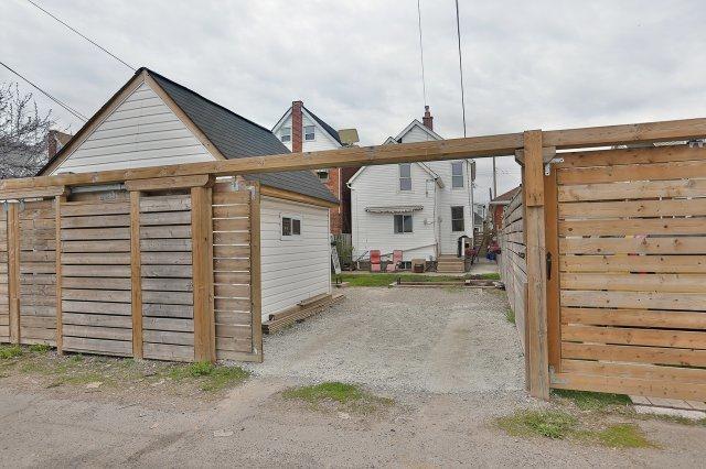 Detached at 210 Grosvenor Ave N, Hamilton, Ontario. Image 10