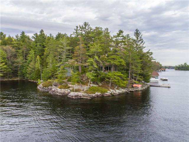 Cottage at 24 Keewaydin Island, Muskoka Lakes, Ontario. Image 1