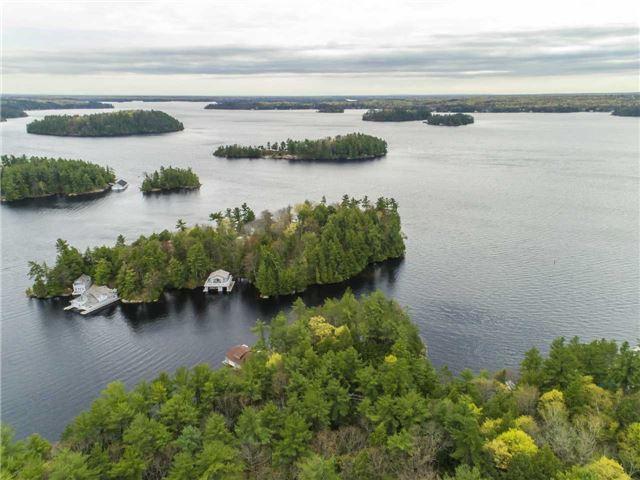Cottage at 24 Keewaydin Island, Muskoka Lakes, Ontario. Image 16