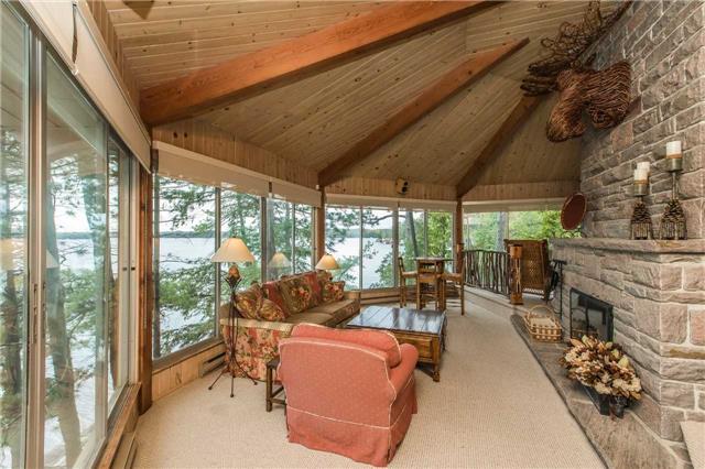 Cottage at 24 Keewaydin Island, Muskoka Lakes, Ontario. Image 18