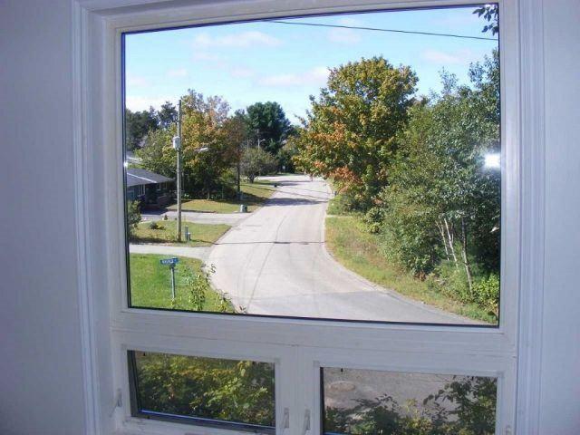 Detached at 925 Muskoka Rd N, Gravenhurst, Ontario. Image 5
