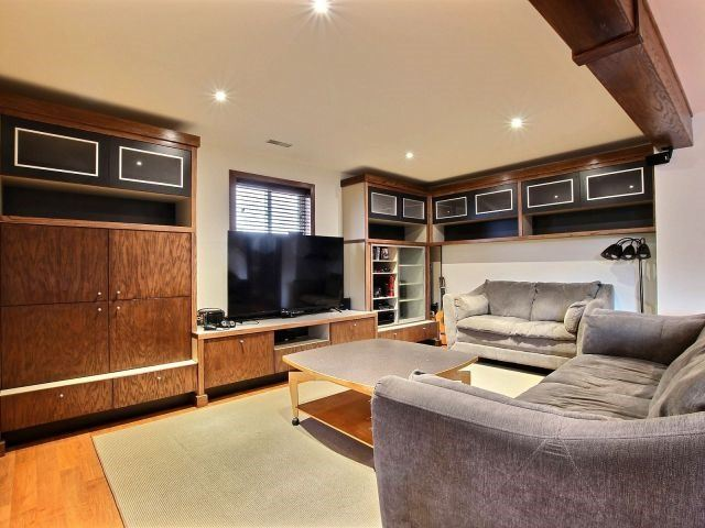 Detached at 46 Dowden Ave, Brant, Ontario. Image 8