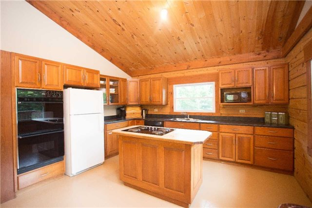 Detached at 6779 Palmer Rd, South Algonquin, Ontario. Image 5