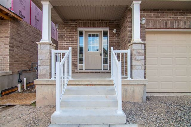 Detached at 272 Buttonbush St, Waterloo, Ontario. Image 12
