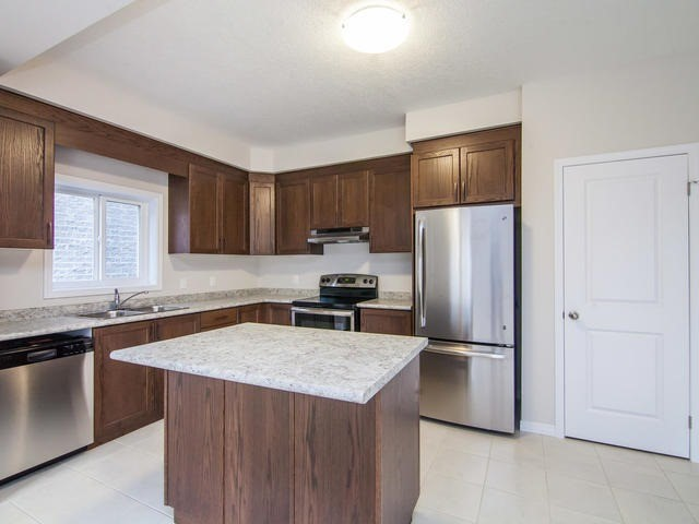 Detached at 272 Buttonbush St, Waterloo, Ontario. Image 19