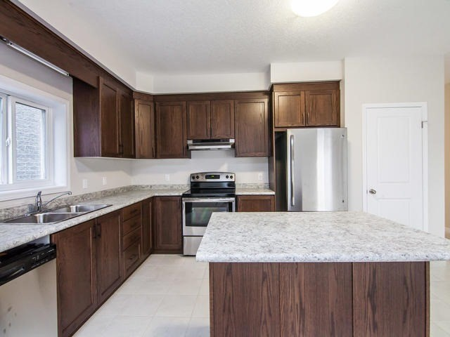 Detached at 272 Buttonbush St, Waterloo, Ontario. Image 20