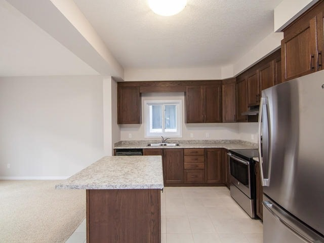 Detached at 272 Buttonbush St, Waterloo, Ontario. Image 2