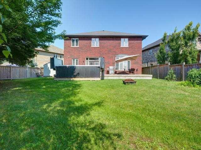 Detached at 24 Lorupe Crt, Hamilton, Ontario. Image 13