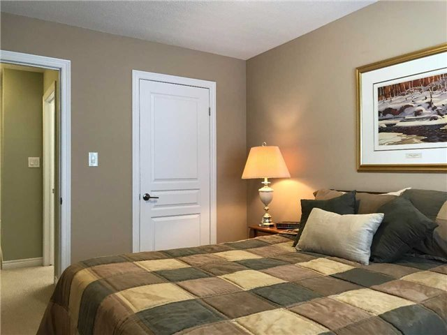 Townhouse at 541 Winston Rd, Unit 4, Grimsby, Ontario. Image 2