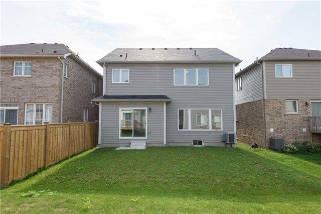 Detached at 88 Binhaven Blvd, Hamilton, Ontario. Image 11