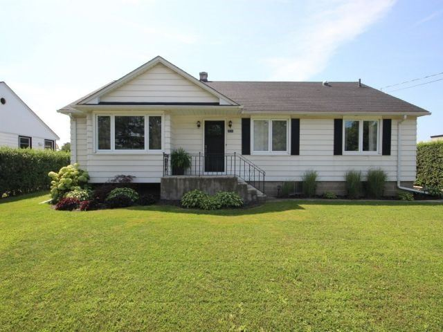 Detached at 4624 Victoria Ave, Lincoln, Ontario. Image 1