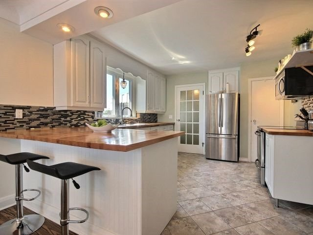 Detached at 4624 Victoria Ave, Lincoln, Ontario. Image 2
